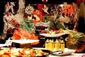 Buffet Halloween : kids in prague kids halloween dinner party 2012 ~ Dode.kayakingforconservation.com Idées de Décoration