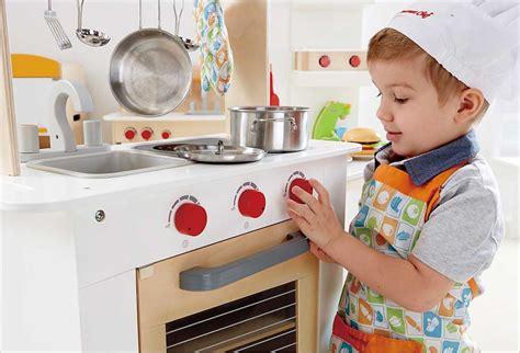 cuisine des chef hape cuisine du chef en bois cavernedesjouets com