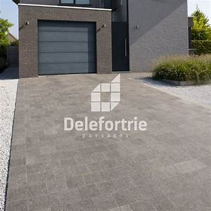 amenagement d39une entree de garage en paves de beton With entree de garage en beton