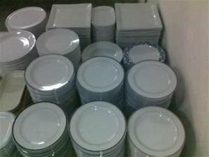Lot D Assiette Pas Cher : destockage vaisselle porcelaine blanche pas cher services de tous les jours bondy ~ Melissatoandfro.com Idées de Décoration
