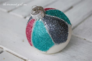 decorate  plain christmas ornament  glitter