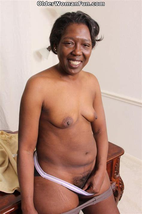 52 Year Old Ebony Gilf Amanda Horn Strips Off At The