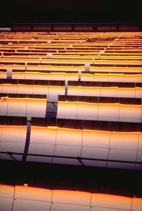 Крупнейшая в мире солнечная электростанция Калифорния США . Интересные факты. Добавил Александр Броер —