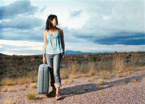 tips  solo female travelers wanderful