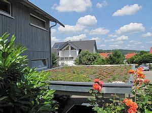 Dachbegruenung Natuerliche Klimaanlage by Dachbegr 252 Nung F 252 R Flach Und Schr 228 Gd 228 Cher Petershaus