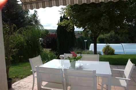 terrasse devant la cuisine photo 2 5 la table en