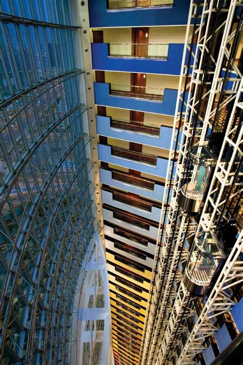 jumeirah emirates towers dubai hotel building  architect