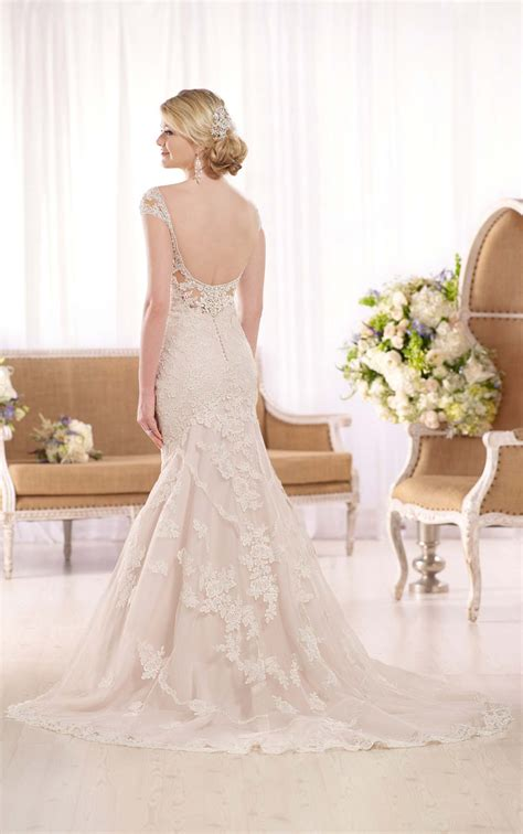size tulle fit  flare wedding dress  essense