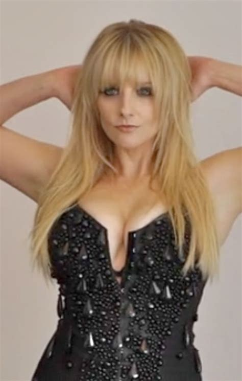 melissa rauch natural hair color 275 best images about melissa rauch on pinterest bangs
