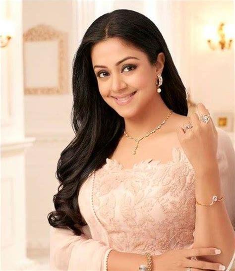 actress jyothika latest pictures jyothika latest hot glamour traditional saree photoshoot