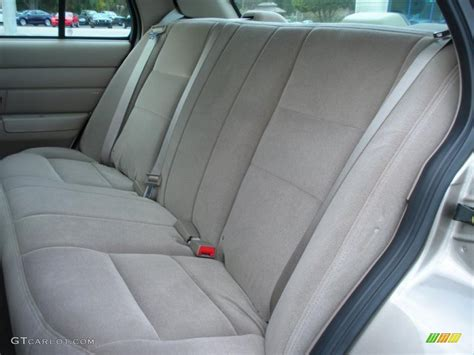 Medium Parchment Interior 2003 Ford Crown Victoria Police