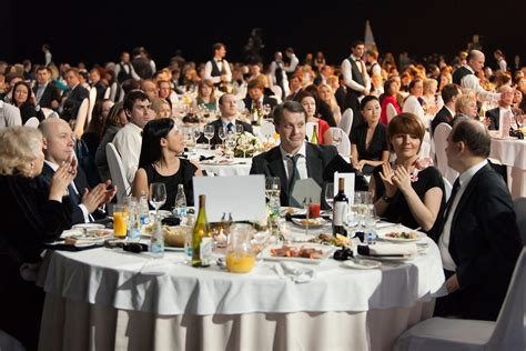 where to have a company christmas party hiring a magician for your company chad chesmark magic