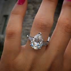 shaped engagement rings best 25 pear engagement rings ideas on pear shaped engagement rings pear shaped