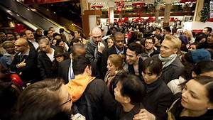Big crowds, big mischief on Black Friday (and Thursday ...