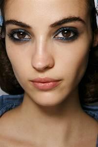 Maquillage De Fête : le maquillage de soir e 55 id es qui vont vous charmer ~ Melissatoandfro.com Idées de Décoration