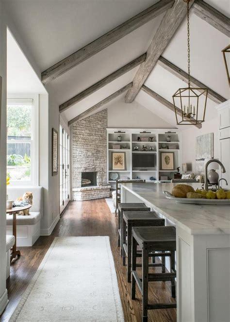 Best 25+ Vaulted Ceiling Decor Ideas On Pinterest