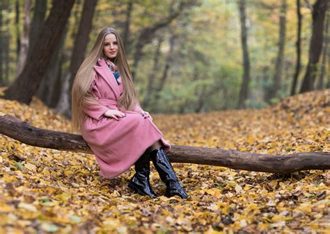 Photo Of Diana An 18 Year Old Natural Blonde Girl