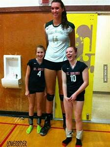 "The tallest woman in the world (11'11"".) Imagine the ..."