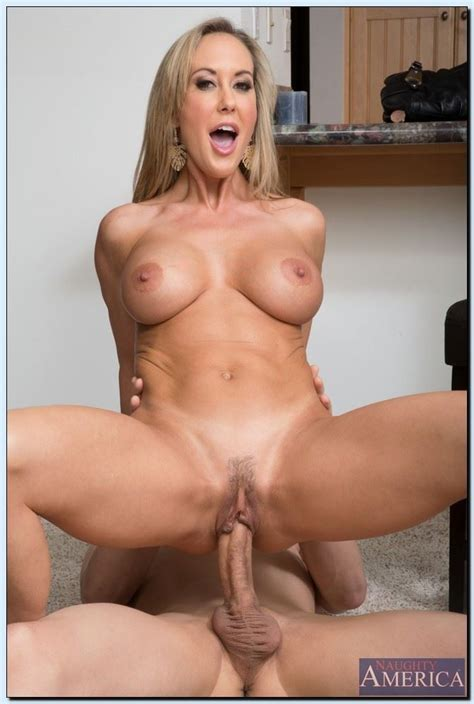 Brandi Love Sexy Milf Gets Drilled In The Kitchen Pichunter