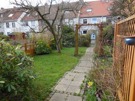 Verkauft Gepflegtes Reihenmittelhaus Mit Garten Und