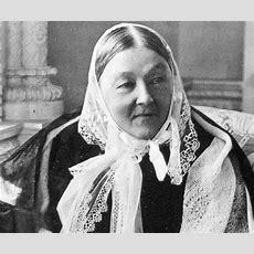 Florence Nightingale Biography  Childhood, Life Achievements & Timeline
