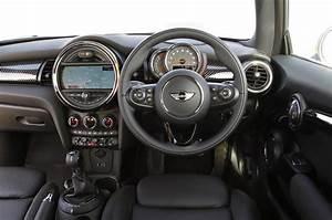 Mini Cooper Interieur : mini 3 door hatch review 2017 autocar ~ Medecine-chirurgie-esthetiques.com Avis de Voitures