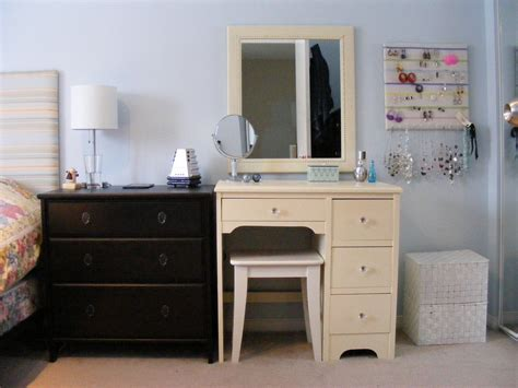 Small Bedroom Vanity by Vanity Decorating Small Bedroom Vanity Bedroom