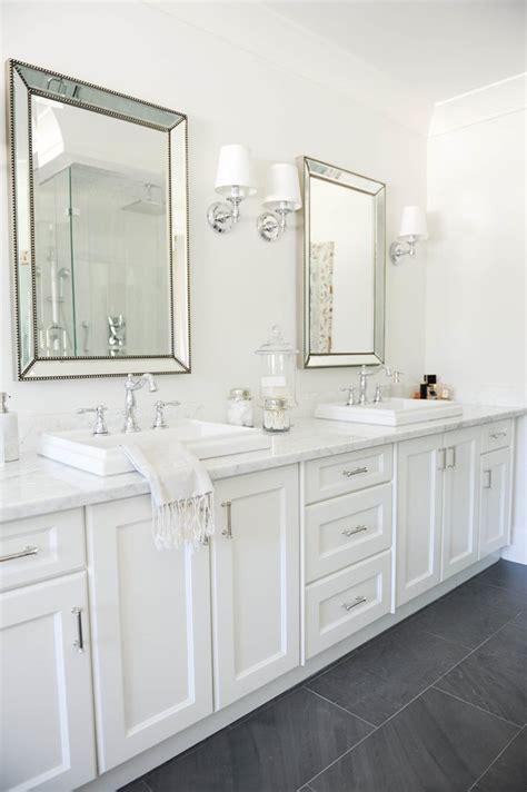 hton style bathroom