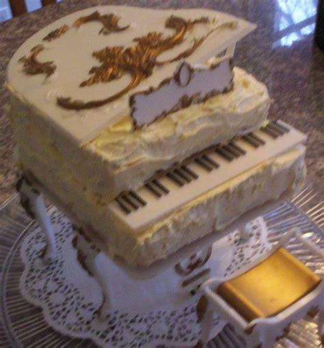 piano party cake   vintage  wilton grand