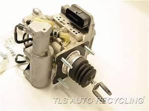 2012 Toyota Prius V Brake Master Cylinder