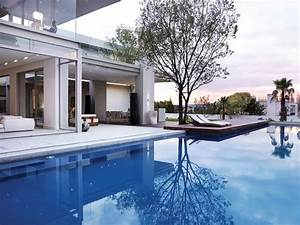 Modern Residence In Johannesburg With Bold Architecture