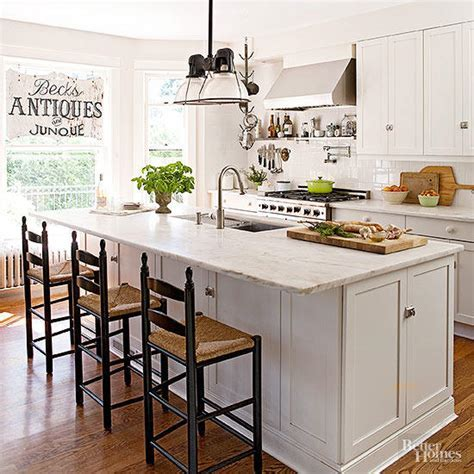 Tips for Incorporating a Kitchen TV   Better Homes & Gardens
