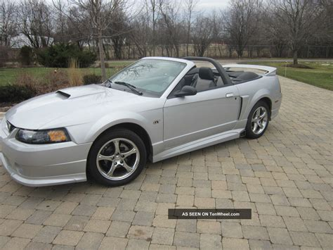 ford mustang gt convertible  door    rousch pkg