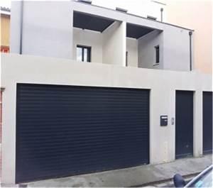 Portes de garage a enroulement tous les fournisseurs for Porte de garage enroulable avec blinder une porte