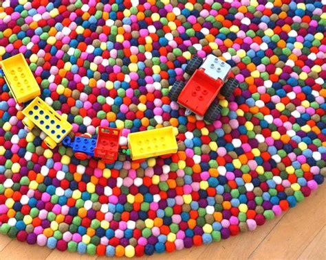 pinocchio tapis de boules rond multicolore tapis boule de