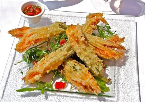 cuisine nicoise recettes beignets de fleurs de courgettes recette de la