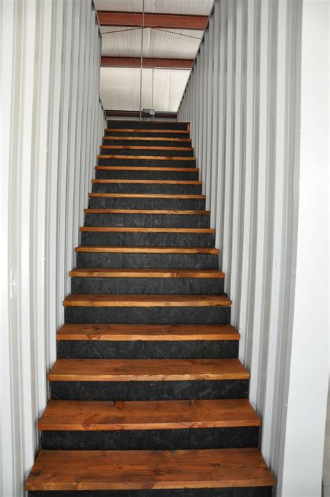 megpie designs  barn stairs