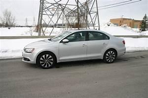 Volkswagen Jetta Hybride : comparatif volkswagen jetta tdi 2013 contre volkswagen jetta hybride 2013 ecolo auto ~ Medecine-chirurgie-esthetiques.com Avis de Voitures