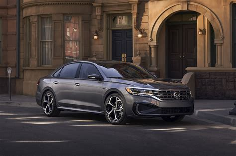 New Redesigned Passat by Volkswagen Looks To Generate Buzz With New Passat