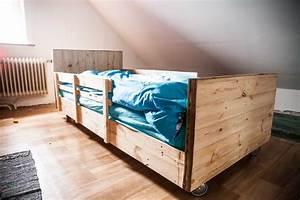 Lit En Bois : boy 39 s pallet bed lit roulettes en bois de palettes ~ Melissatoandfro.com Idées de Décoration