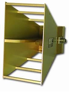 Double Ridge Guide Horn Antenna  700 Mhz