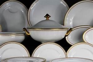 Vaisselle En Porcelaine : service complet vaisselle porcelaine design en image ~ Teatrodelosmanantiales.com Idées de Décoration