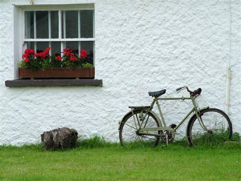 cottage irlandesi cottage irlandese immagine stock immagine di tetto