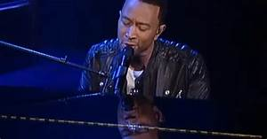 John Legend Performs 39All Of Me39 On 39Letterman39 Rolling