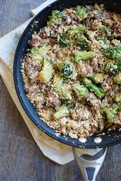 korean ground beef bowl with cauliflower rice broccoli