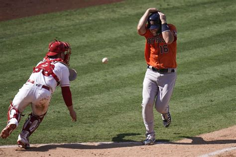 Angels rally in 8th to complete sweep of Astros