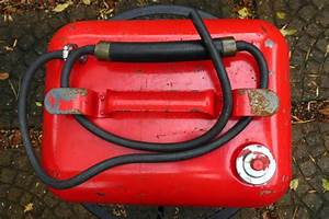 Find Vintage 3 Gal   Metal Gas Can Outboard Boat Gas Fuel