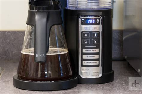 We tested the ninja cf091 coffee bar system with glass carafe, which is built to brew just about every coffee drink you want. Ninja Coffee Brewer CF020 Review   Digital Trends