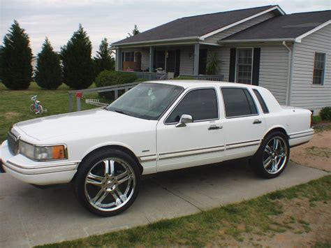 Carolinarudebwoy Lincoln Town Car Specs Photos