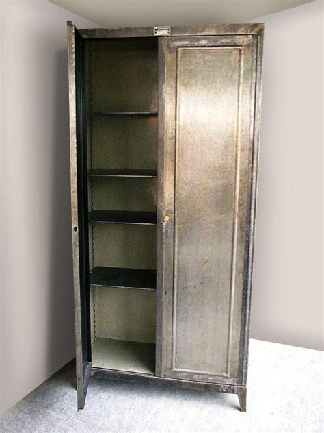 fournitures bureaux armoire métallique industriel jpg rangements les